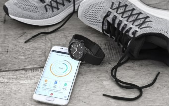Mondaine-Helvetica-smartwatch-MH1.B2S20.RB-HERO-NEU-2_300