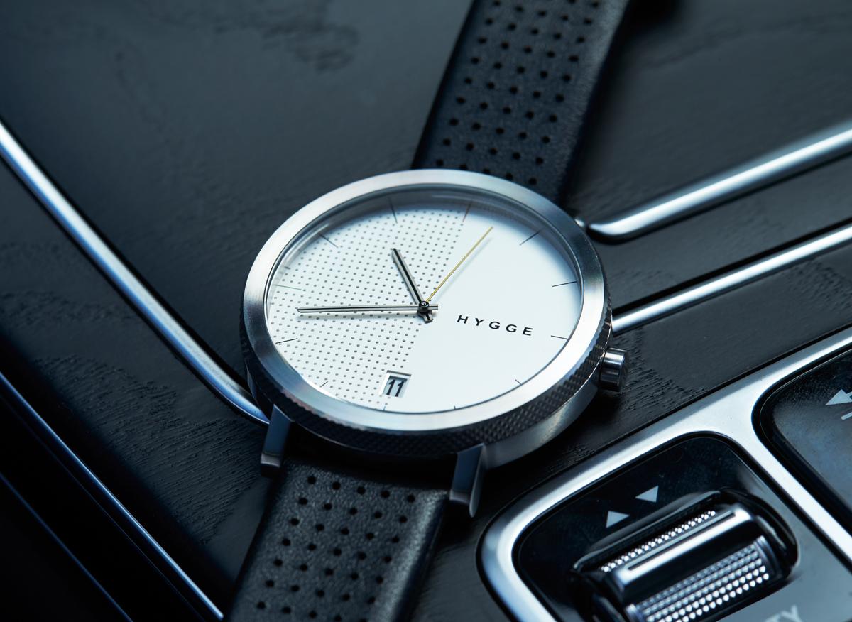 Hygge 2203 – Groot Designhorloge met Bijzondere Details