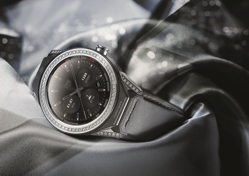 B. TAG HEUER CONNECTED MODULAR 45 (5)