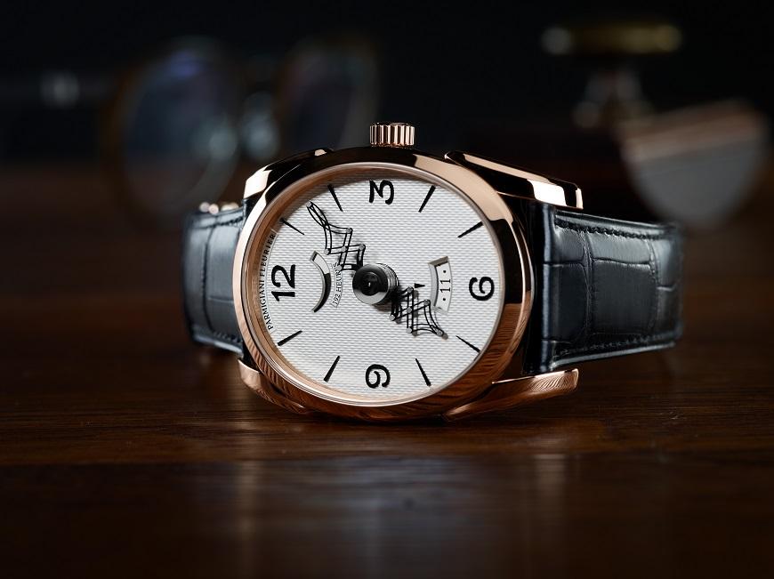 Parmigiani Fleurier Ovale Pantographe met een gouden uurwerk_liggend