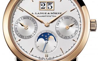 Lange-Saxonia-Jahreskalender-annual-calendar-Rotgold-pink-gold-310-032-Zoom-front-72dpi