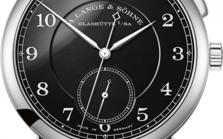 """De 1815 """"Homage to Walter Lange"""" met een zwart geëmailleerde wijzerplaat en een stalen kast wordt slechts één keer geproduceerd."""