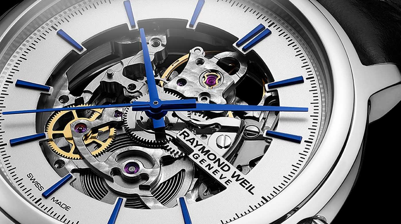 Stalen Raymond Weil Freelancer Calibre RW1212 Skeleton op stalen band met blauwe details