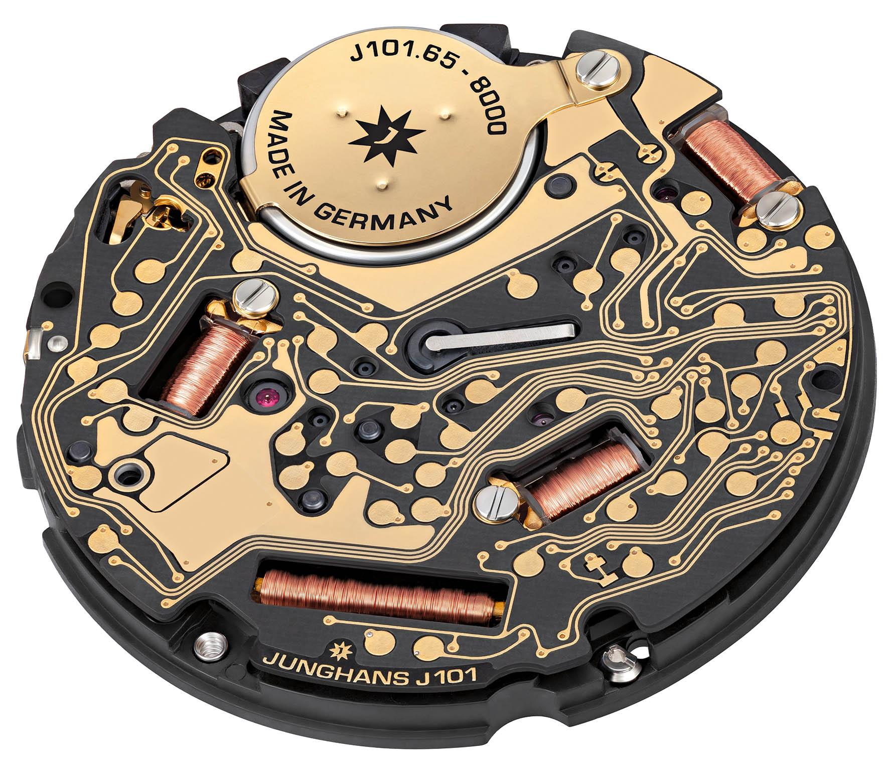 Het Junghans Funkwerk J101.65 zorgt voor de radioverbinding en de tijdsaandrijving