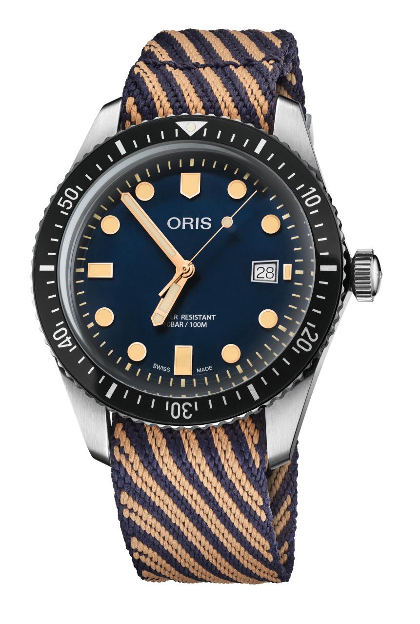 De Oris Divers Sixty-Five met gestreepte band van hergebruikt plastic