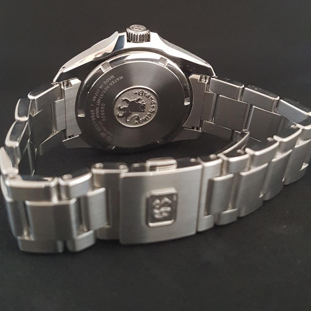 Op pad met de Grand Seiko 9F86 Quartz GMT
