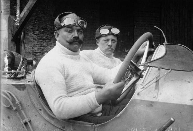 Christian_Lautenschlager_at_the_1914_French_Grand_Prix_