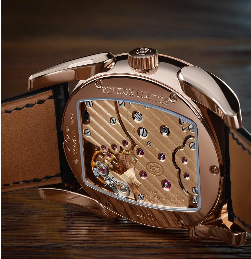 Parmigiani Fleurier Ovale Pantographe met een gouden uurwerk_achterzijde