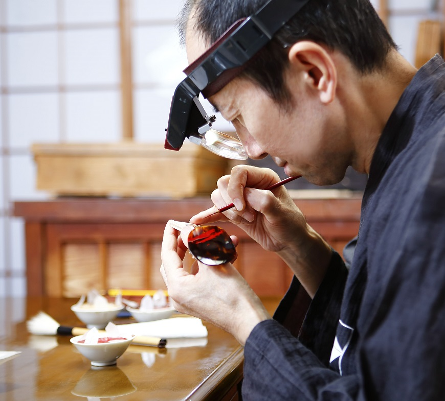 Urushi Grand Master Minori Koizumi