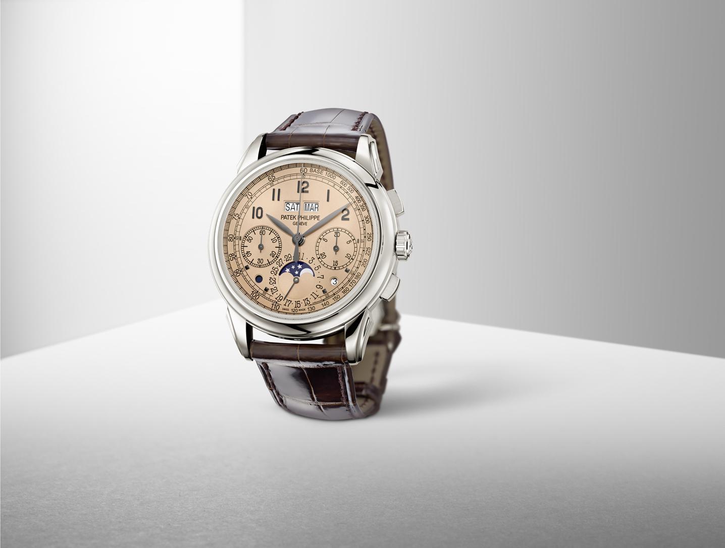 De 41 mm 5270P is een platina eerbetoon aan eerdere horloges van Patek Philippe met de combinatie chronograaf/eeuwigdurende kalender