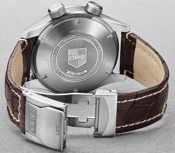 Achterzijde van de tot 250 stuks gelimiteerde Oris Big Crown ProPilot Alarm Limited Edition