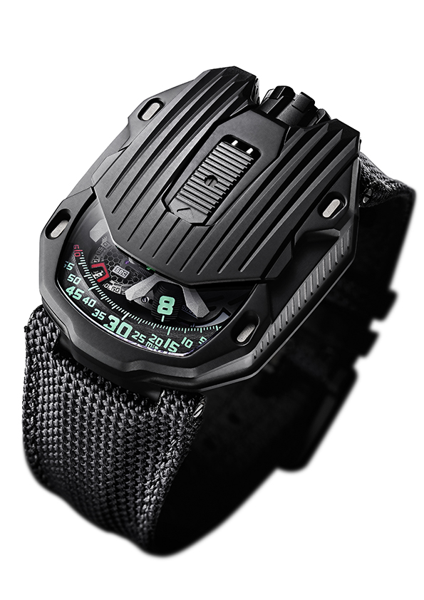 De Urwerk UR-105 CT Kryptonite in het daglicht