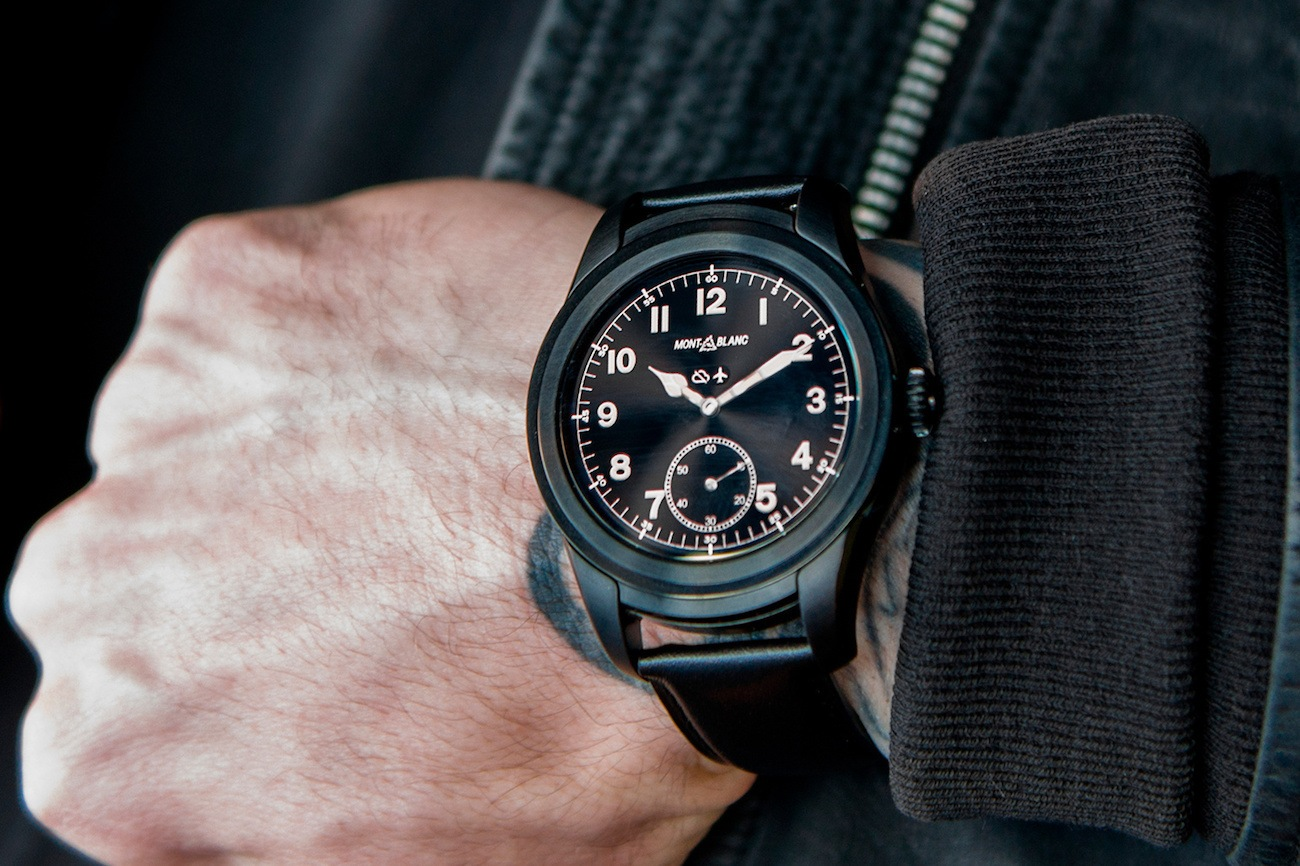 De tradtionele looks van de moderne Montblanc Summit smartwatch