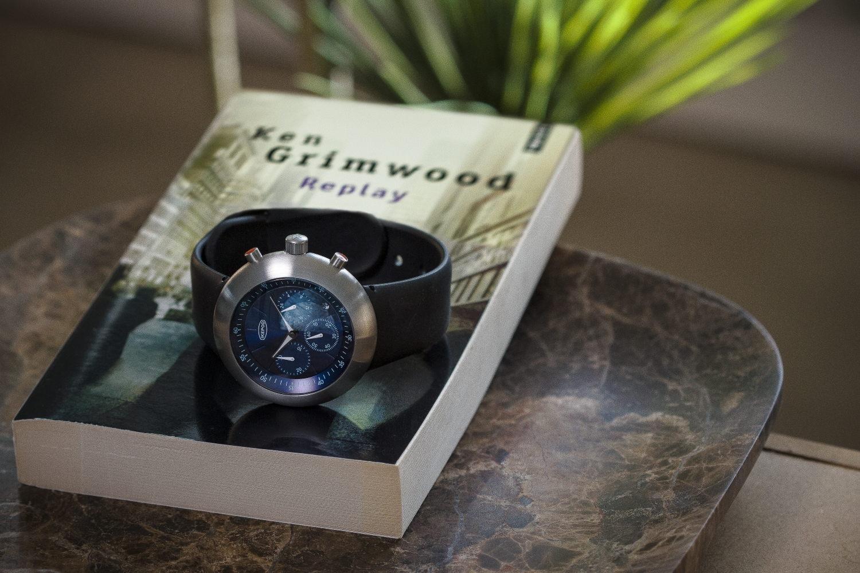Ikepod chronograaf met Japans quartz uurwerk