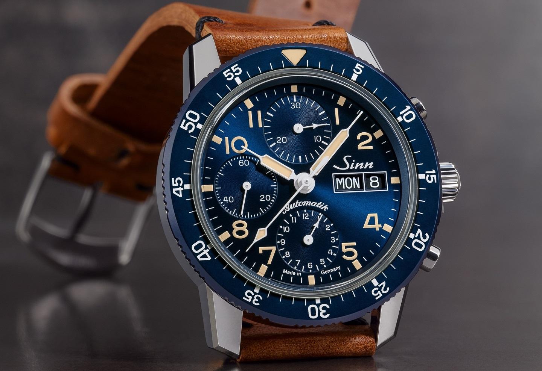 De Sinn 103 Sa B E is een opvallend blauwe pilotenchronograafgraph