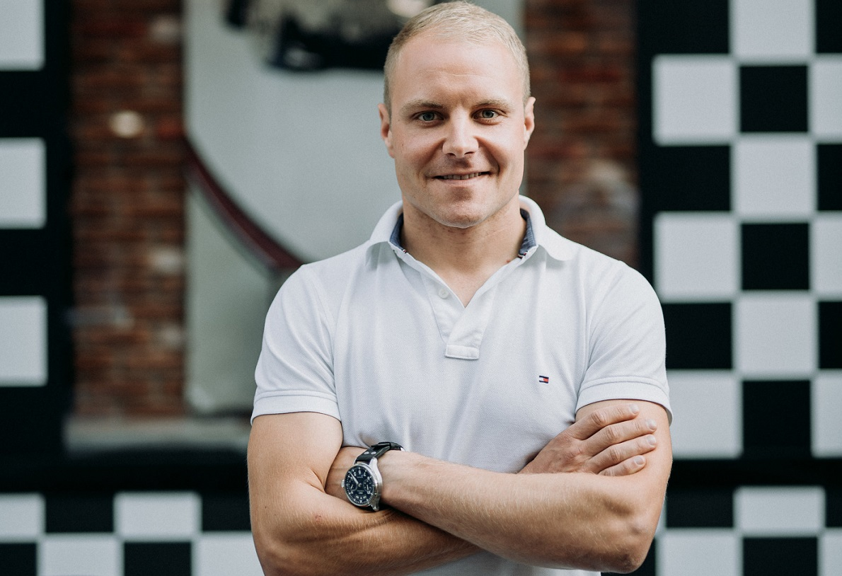 Valtteri Bottas met zijn IWC Big Pilot's Watch Annual Calendar Edition 150 Years