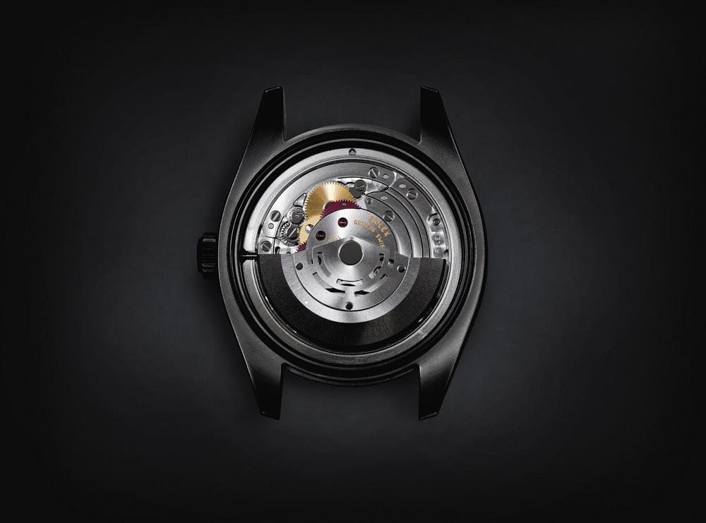 Het originele uurwerk van de Milgauss is aanwezig maar wel aangepast en voorzien van een tourbillon