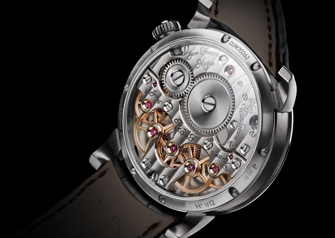Het uurwerk in de LM2 is van de hand van Jean-François Mojon en Kari Voutilainen