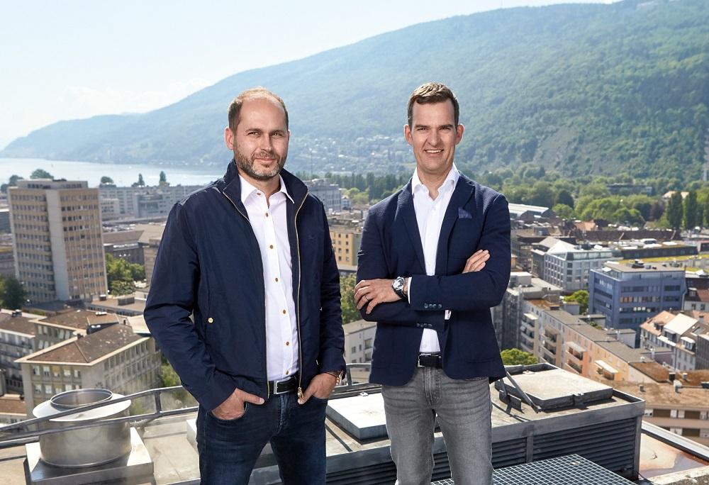 Serge Michel (links) en Claude Greisler van Armin Strom op het dak van Armin Strom