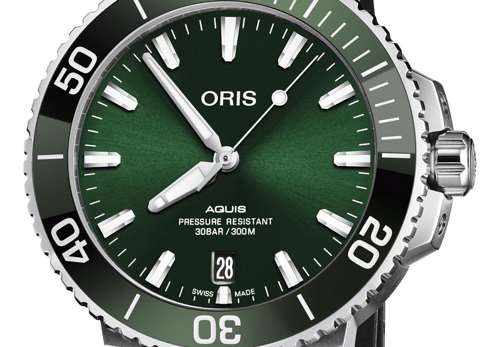 "De glanzende Oris Aquis Date ""Green Machine"""