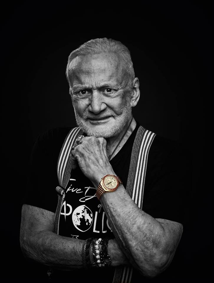 Omega Speedmaster Apollo 11 50th Anniversary Limited Edition om de pols van Buzz Aldrin