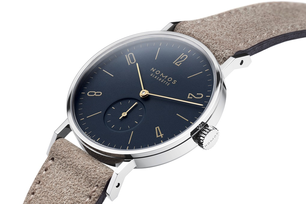 Nomos Tangente midnight blue en Tangente 38 midnight blue