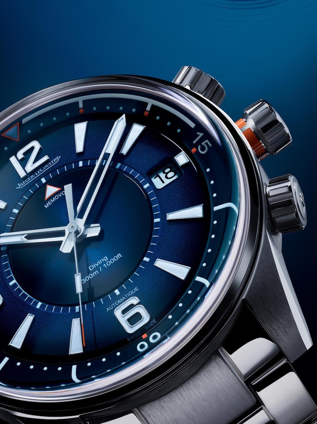 De oceaanblauwe Polaris Mariner Date en Memovox